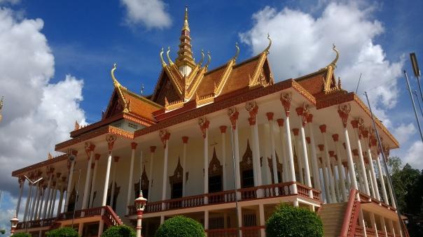 100 Pillar pagoda in Sambour